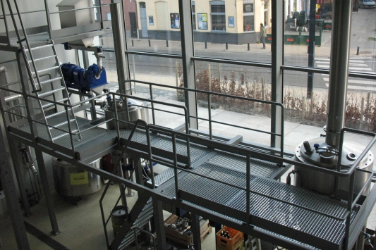 LIBR has a state of the art fully automated 5 hl pilot brewery